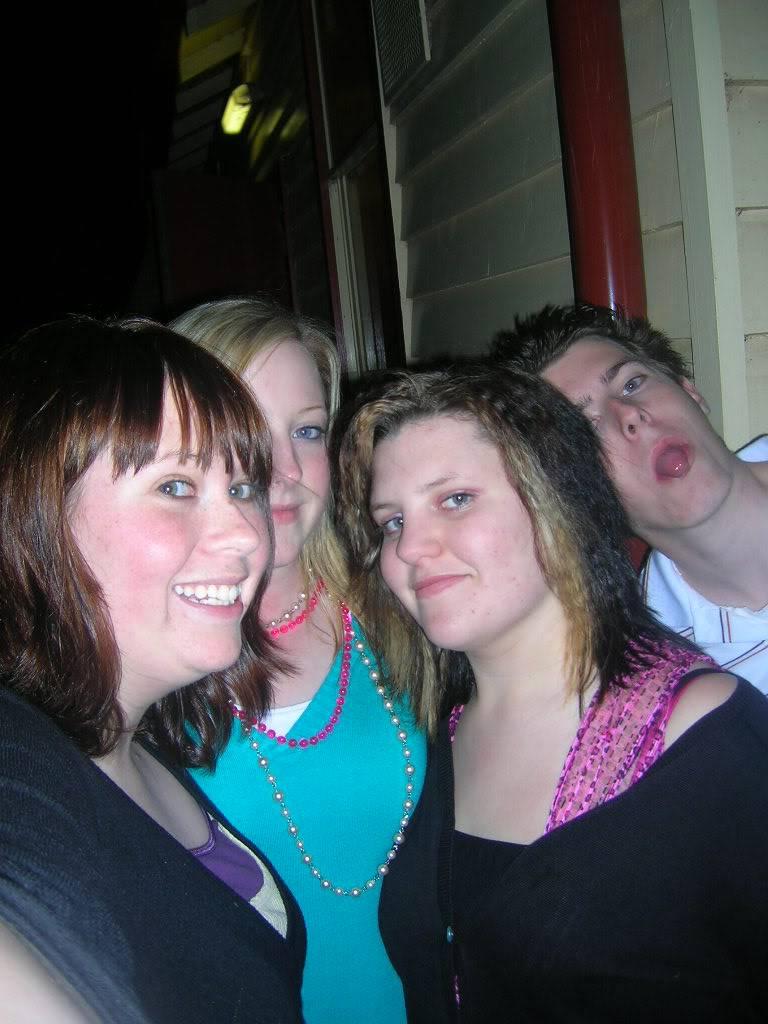 Old Skool Photo Post Spot Christies18th068