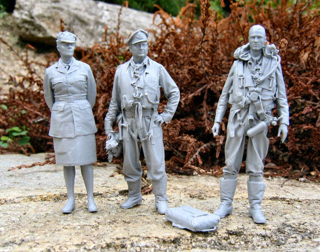 figurines virtuelles - Page 2 32a_zpssvqbkiko