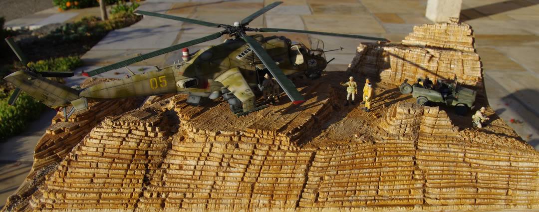 Mi-24V 1/35 Trumpeter 1UAZ469av