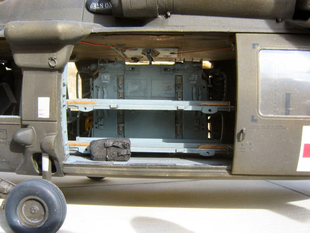 UH-60A Medevac Academy (Italeri) 1/35 1UH6161