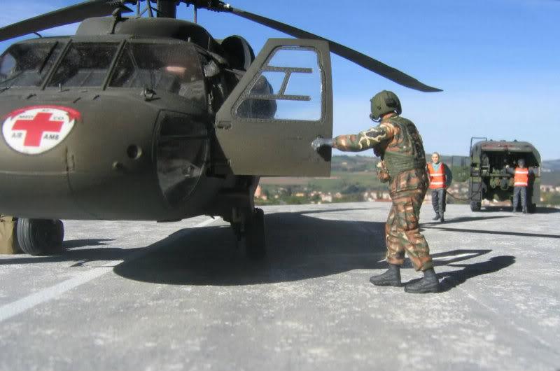 UH-60A Medevac Academy (Italeri) 1/35 1UH6184