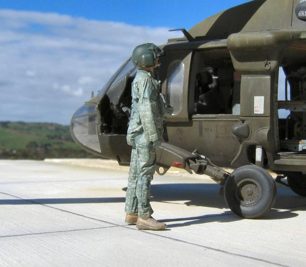 US modern helicopter pilot in fire watch 35zk_zpsxpv10vq9