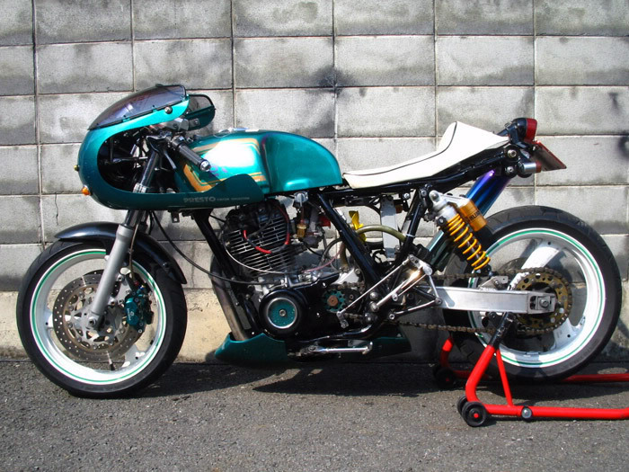 Racer, Oldies, naked ... - Page 3 Sr500custom4presto