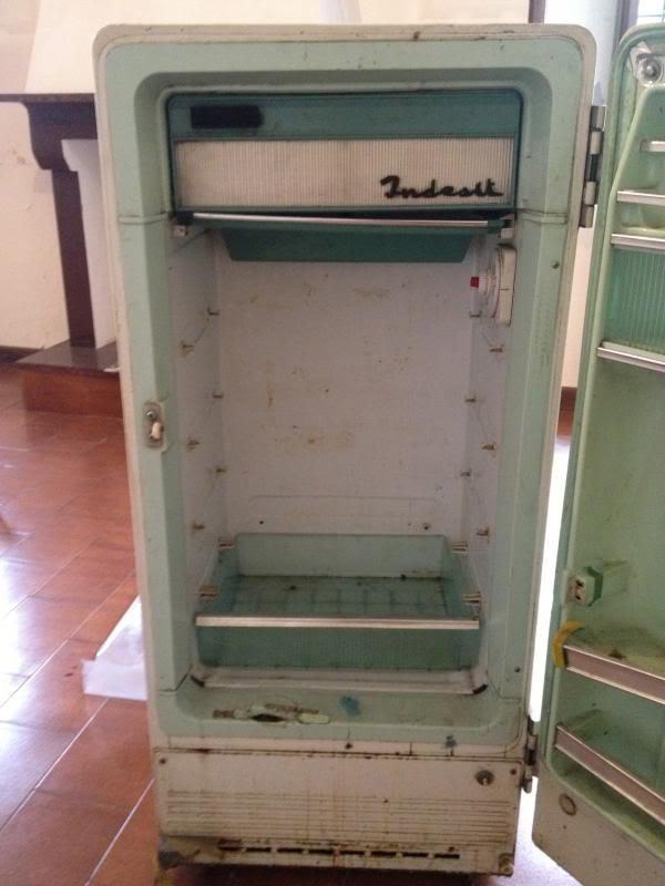 Restauro frigorifero anni 50... IMG_1019_zpse64896c9