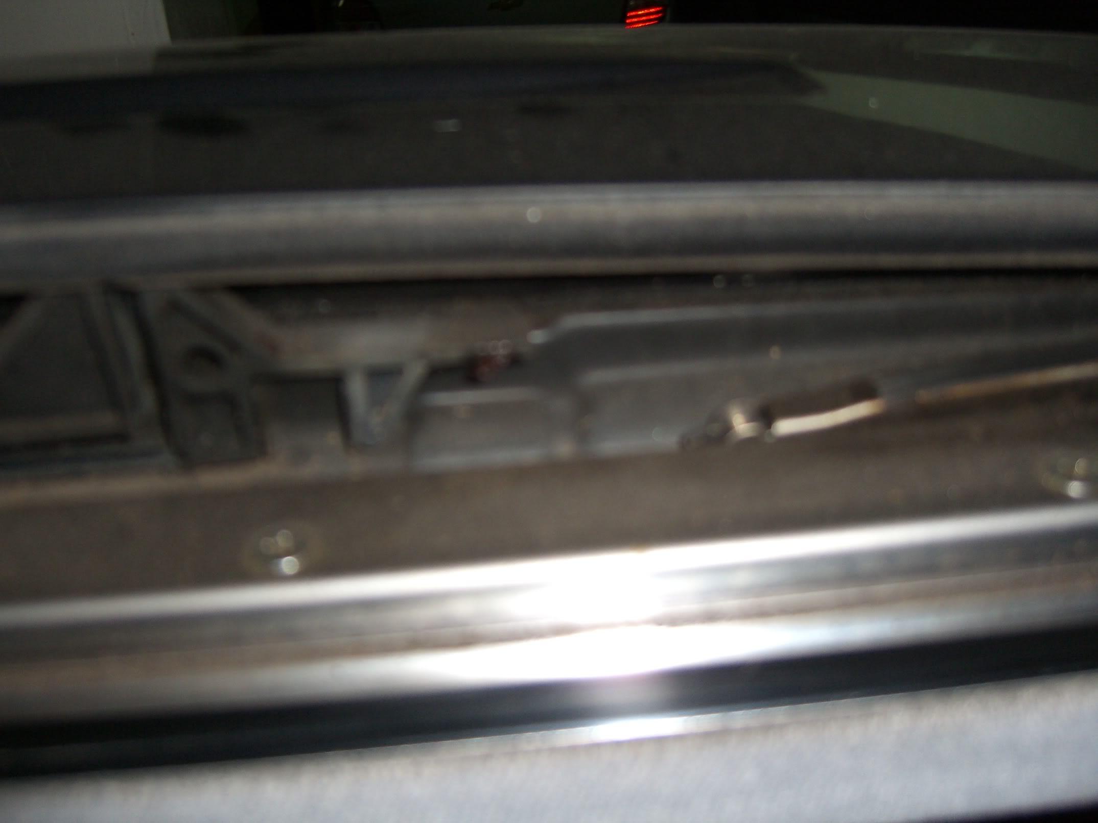 (W163): Defletor de ar do teto solar - como reparar? CIMG4535