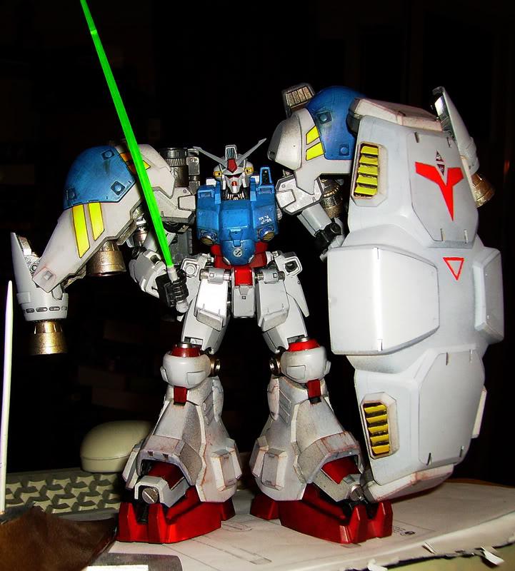 Gundam RX-78 GP02 1/100 Master Grade Bandai PICT1415