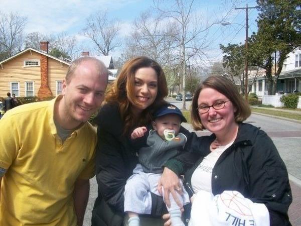 Fotos e Entrevista da Hilarie Burton - Peyton Swayer 0412