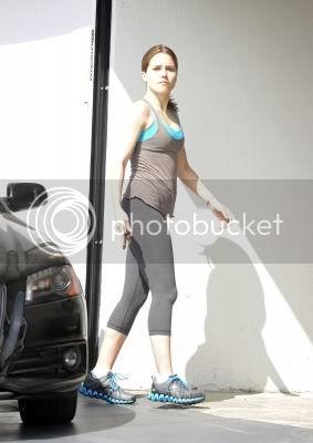 Fotos, Vídeos e Aparições Públicas - Sophia Bush (Brooke Davis) - Página 12 Normal_01-3