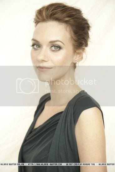 Fotos e Entrevista da Hilarie Burton - Peyton Swayer - Página 2 Delman19