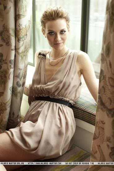 Fotos e Entrevista da Hilarie Burton - Peyton Swayer - Página 2 Delman24