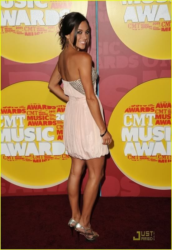 Jana Kramer - Alex Dupre - Página 2 Jana-kramer-hayley-williams-cmt-awards-07