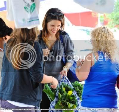 Fotos, Vídeos e Aparições Públicas - Sophia Bush (Brooke Davis) - Página 9 Normal_110522013