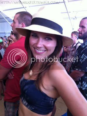 Fotos, Vídeos e Aparições Públicas - Sophia Bush (Brooke Davis) - Página 9 Normal_2xx