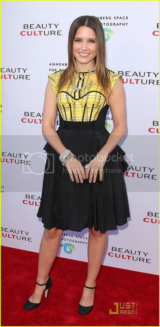 Fotos, Vídeos e Aparições Públicas - Sophia Bush (Brooke Davis) - Página 9 Sophia-bush-beauty-culture-05