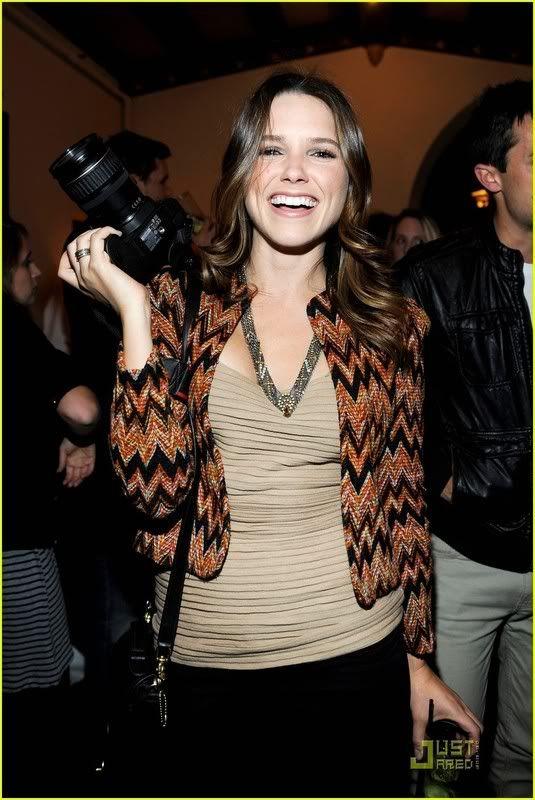 Fotos, Vídeos e Aparições Públicas - Sophia Bush (Brooke Davis) - Página 9 Sophia-bush-lindsay-lohan-deleon-08