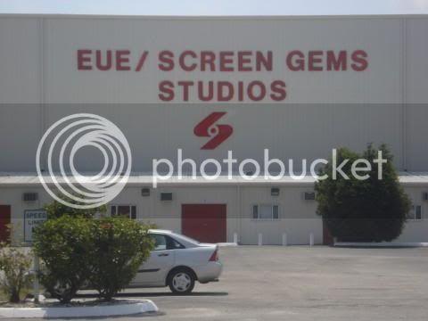 Fotos e Vídeos do Elenco de One Tree Hill nos Sets de Filmagem L_805b550cf83a31a58af7f3e759f55289