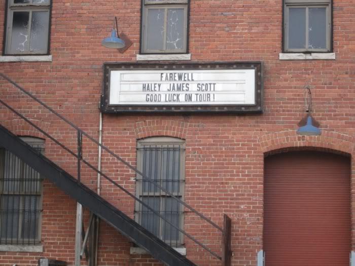 Fotos e Vídeos do Elenco de One Tree Hill nos Sets de Filmagem Normal_006-13