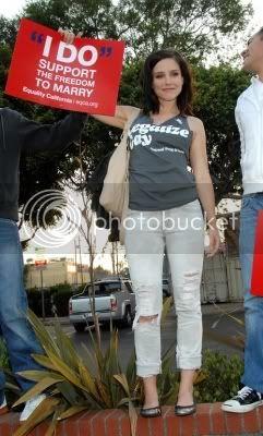 Fotos, Vídeos e Aparições Públicas - Sophia Bush (Brooke Davis) - Página 2 Normal_sbap9pcp802