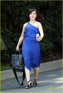 Fotos, Vídeos e Aparições Públicas - Sophia Bush (Brooke Davis) - Página 2 Sophia-bush-blue-bags-07