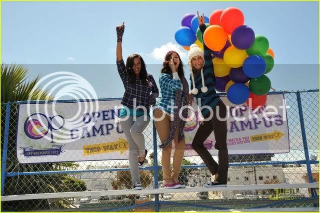 Fotos, Vídeos e Aparições Públicas - Sophia Bush (Brooke Davis) - Página 3 Sophia-bush-op-open-campus-10