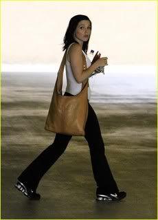Fotos, Vídeos e Aparições Públicas - Sophia Bush (Brooke Davis) - Página 2 Sophia-bush-surprised-stunner-07