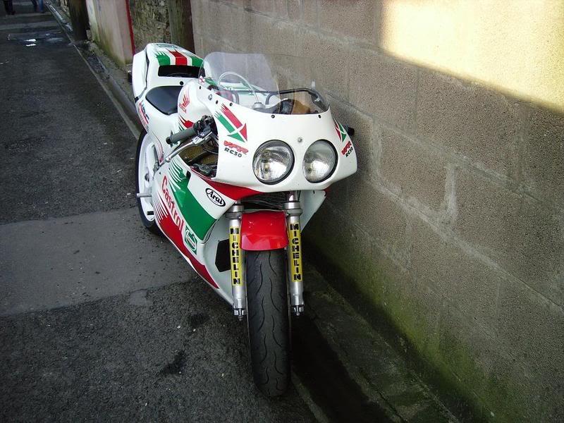 Honda RC 30 - Page 3 IMGP1202