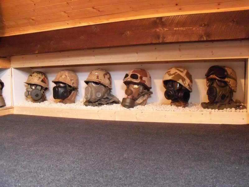 desert storm headgear display  100_2281
