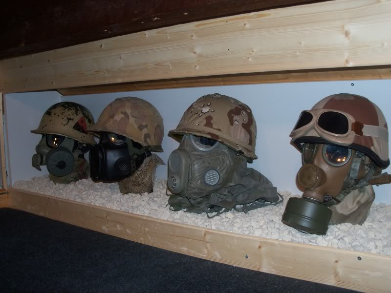 How to display hats and helmets 100_2295