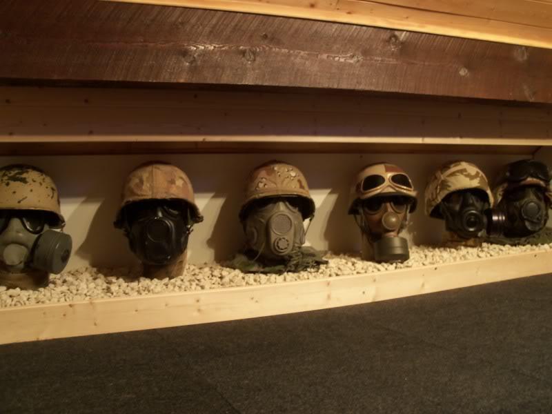 desert storm headgear display  100_2298