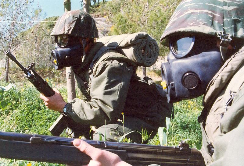 helmet cover  800px-Gas_mask_greek