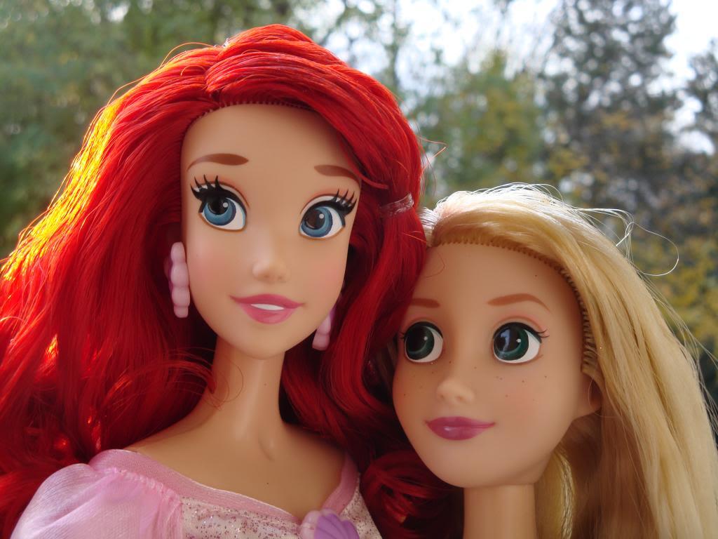 Disney Princesses Singing Dolls - Page 2 DSC04441