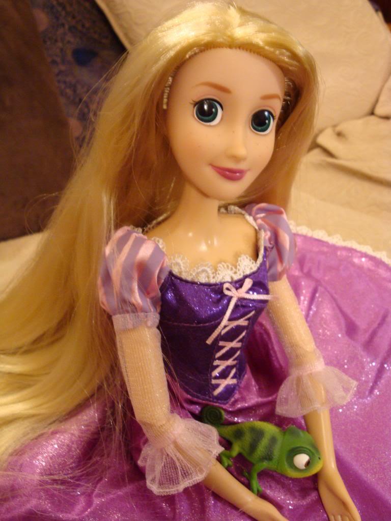 Disney Princesses Singing Dolls - Page 2 DSC04469