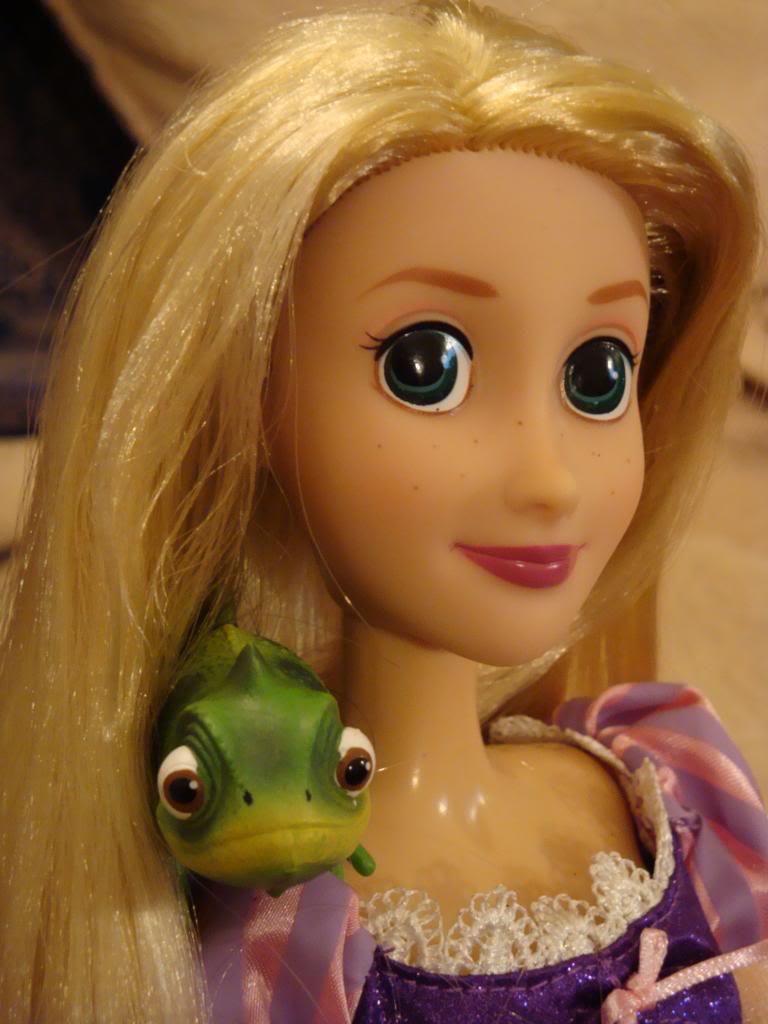 Disney Princesses Singing Dolls - Page 2 DSC04471-1