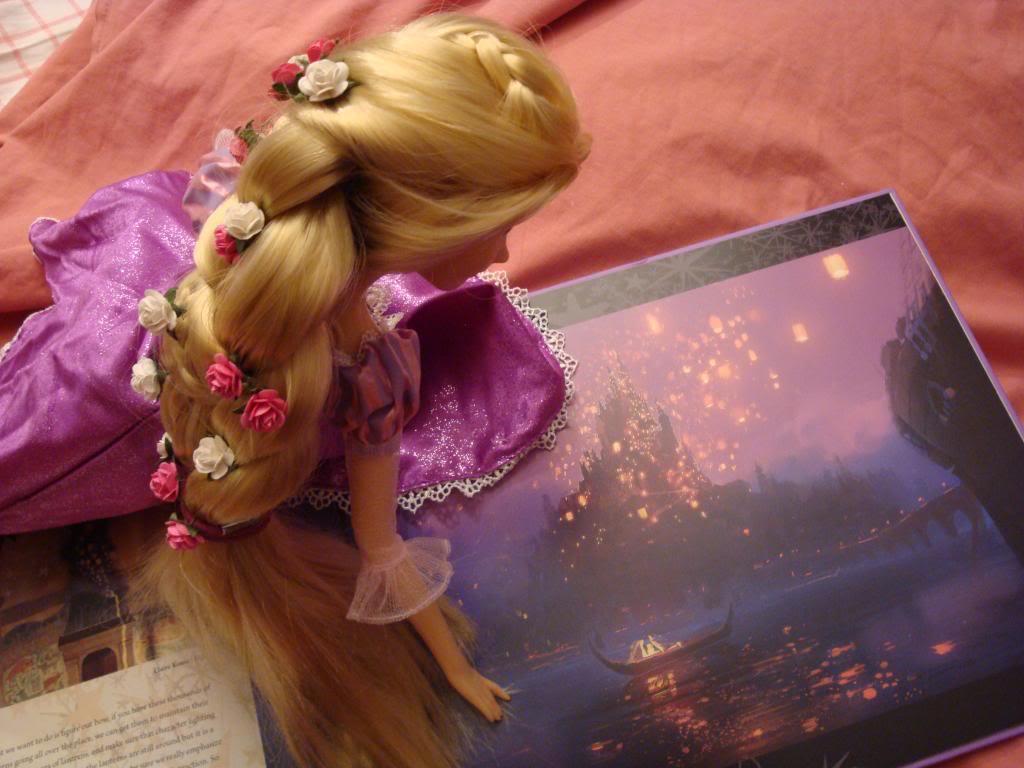 Disney Princesses Singing Dolls - Page 2 DSC04496