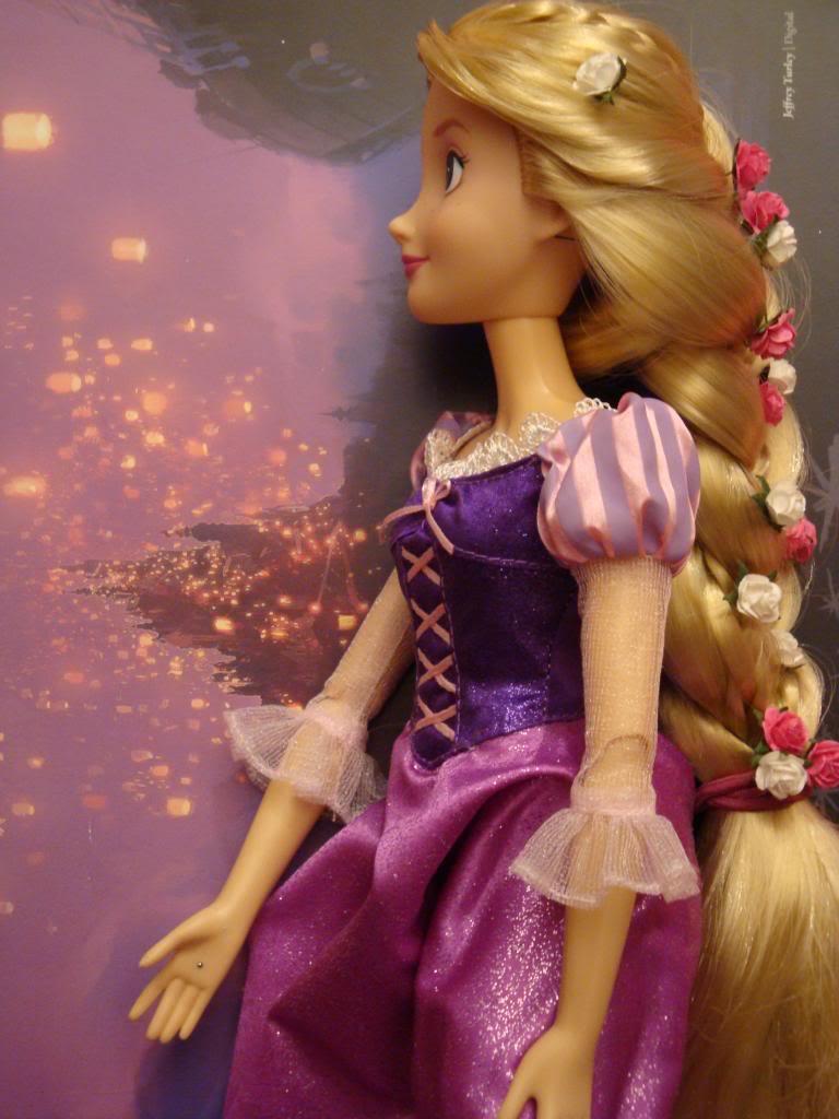 Disney Princesses Singing Dolls - Page 2 DSC04500