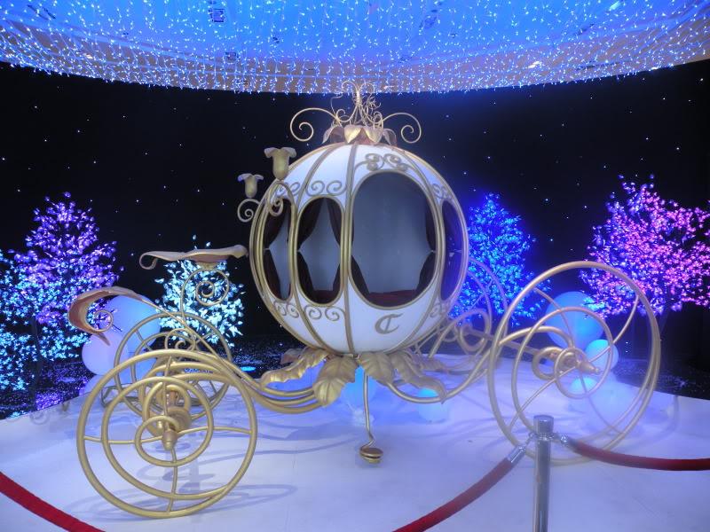 Disney pop up store aux galeries lafayette (du 5/11/2012 au 5/01/2013 ) - Page 2 DSCN1260