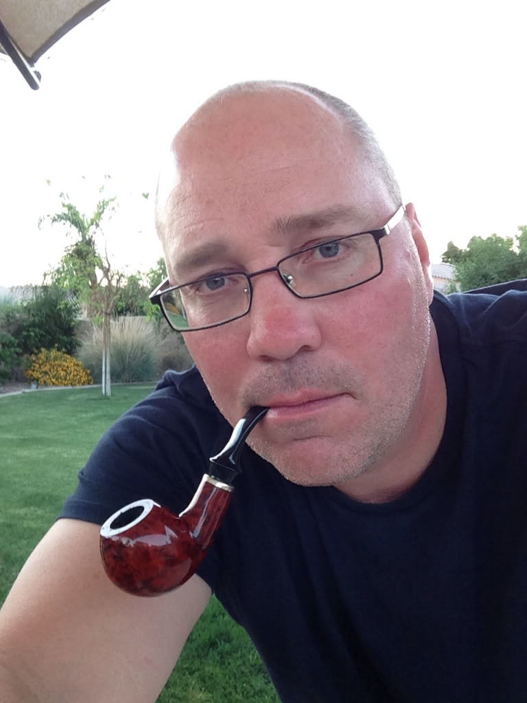 LET'S SEE PICS OF YOU SMOKING A PIPE - Page 4 2b87fe96696451e9648bd825263f2159
