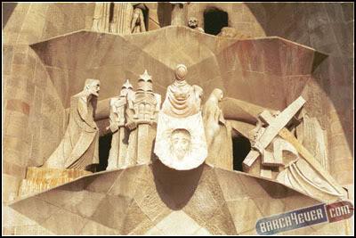 أكثر 10 معالم سياحةً في برشلونة 11smalln
