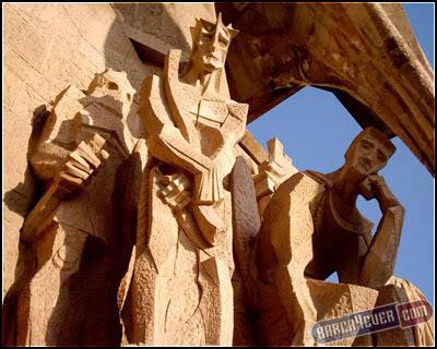 أكثر 10 معالم سياحةً في برشلونة 44small