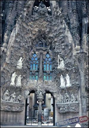مدينة برشلونة الاسبانية روووووووووووووووووعة Cid_aj1093_b11copy