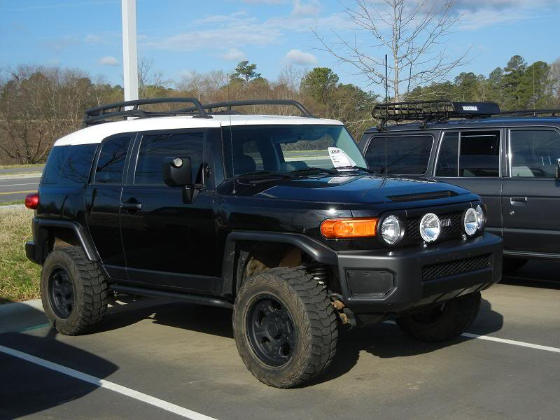 Lifted Black FJ near Greensboro Leith1