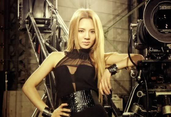 Hyoyeon de Girls' Generation visitó un club cuando todavía era menor de edad HyoClub00