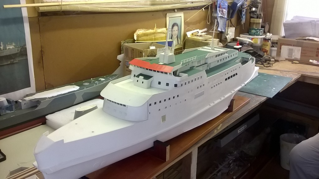 Free Enterprise V - A 1970's cross-channel ferry FEV%20300815-8_zpschrqghoa