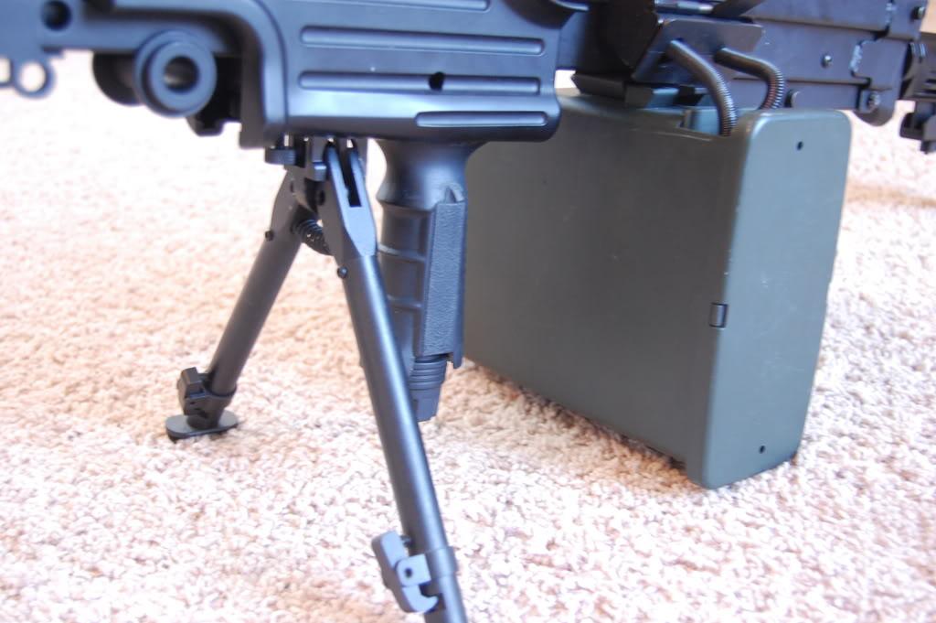 A&K M249 mods - Vert grip, M4 stock, RIS kit 56k bad DSC_4006