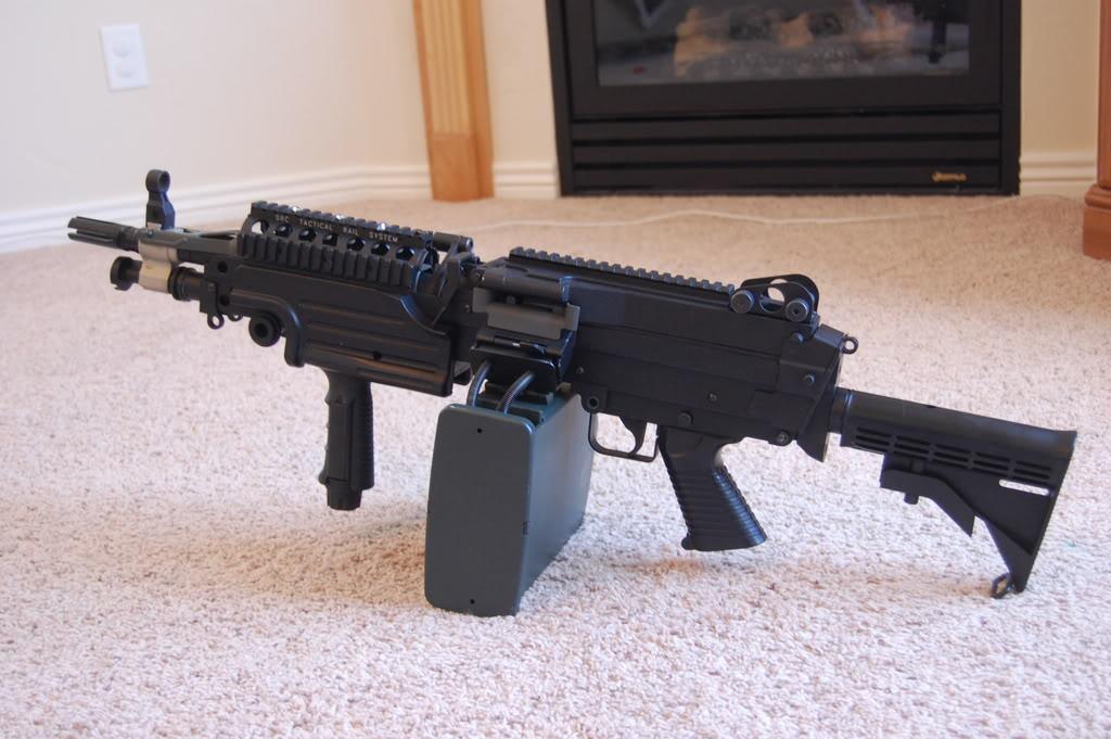 A&K M249 mods - Vert grip, M4 stock, RIS kit 56k bad DSC_4011