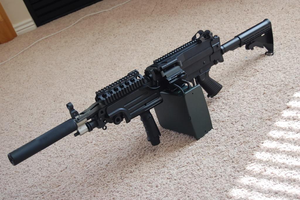 A&K M249 mods - Vert grip, M4 stock, RIS kit 56k bad DSC_4012