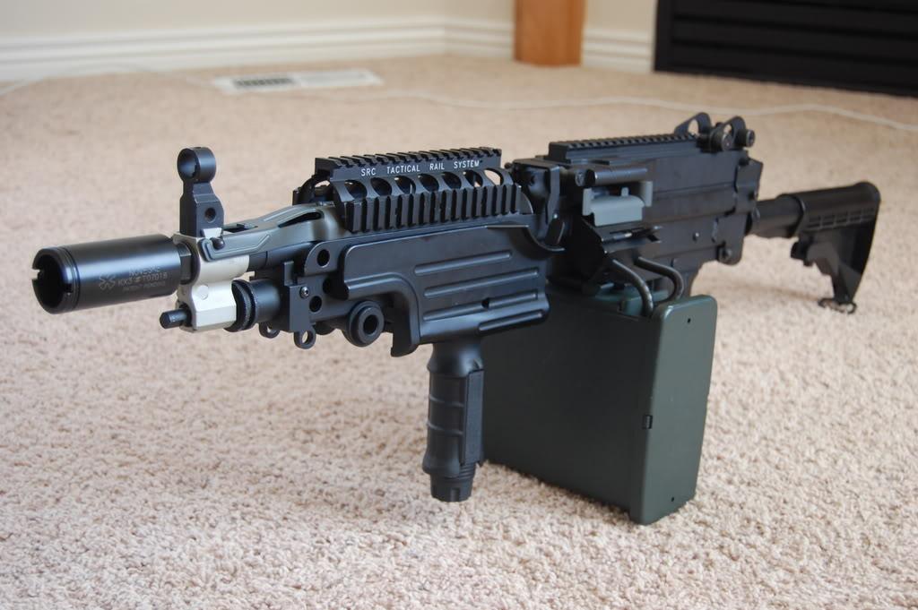 A&K M249 mods - Vert grip, M4 stock, RIS kit 56k bad DSC_4014
