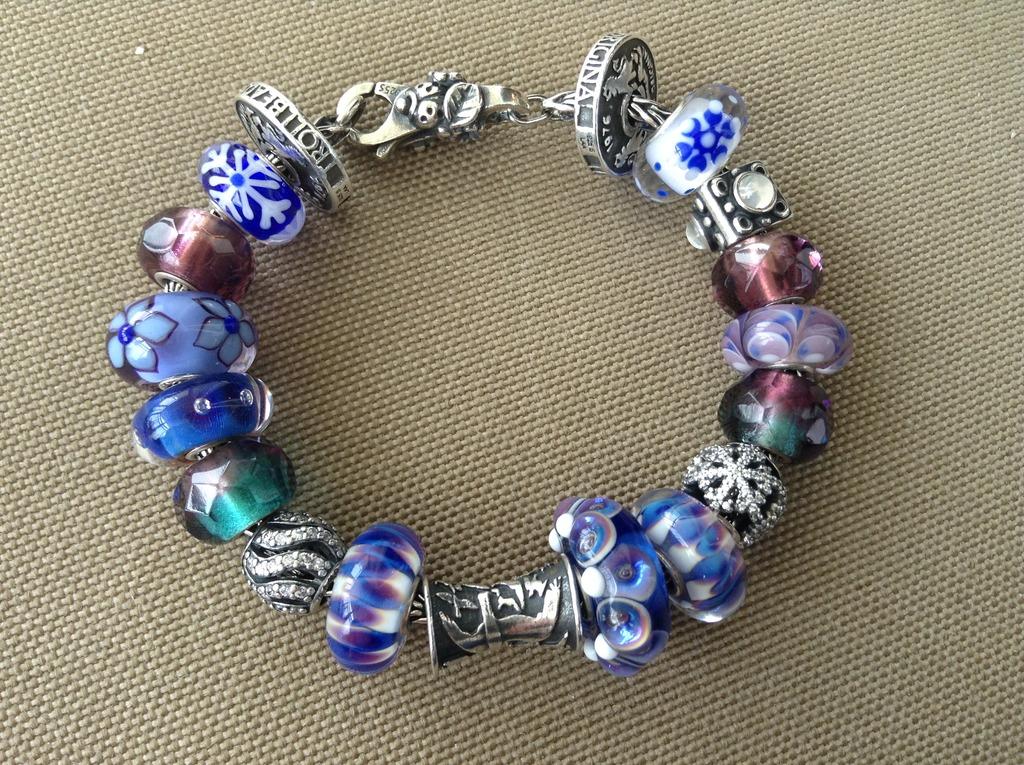 Good Luck starter bracelets - beads to go with E68D5191-1E56-40FE-84B9-5D66DB60A490_1