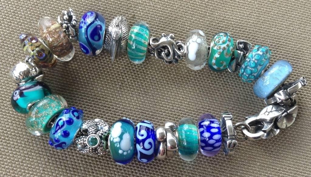Recent bead play Bda904ca-01a0-4485-9f44-8a6c3b7fcbbb