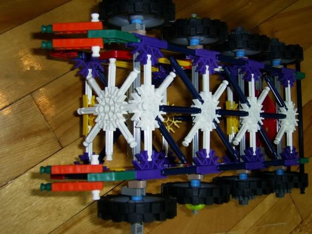 8 roues en K'nex 8rouesdessous